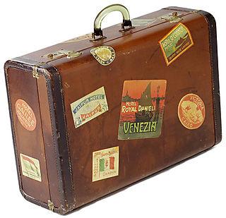 Suitcase10