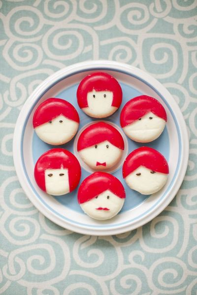 DIY-babybel-cheese-people-550x825